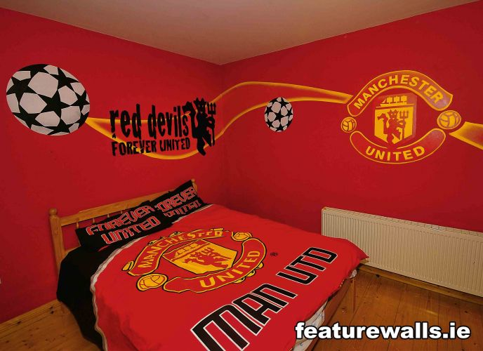 Kids murals childrens rooms decorating kids rooms super for Man u bedroom ideas